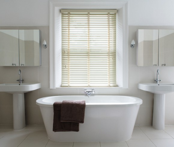 Aluminium Blinds in Bathroom